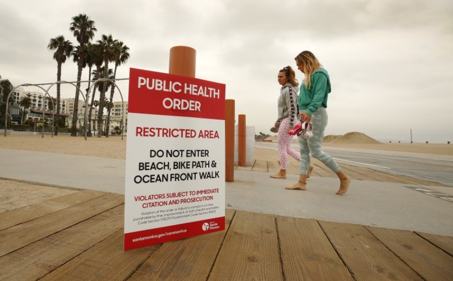 Imponen toque de queda en California por contagios de COVID-19