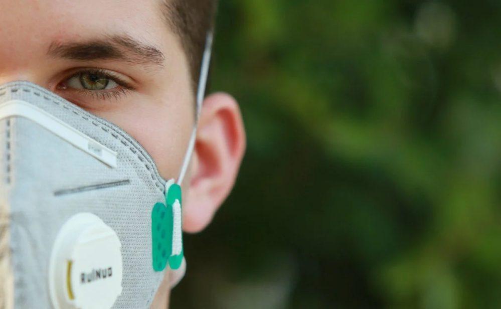 OMS pide no usar cubrebocas con válvula para protegerse de COVID-19