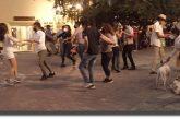 Pese a semáforo naranja por covid-19 arman baile en plaza de Oaxaca
