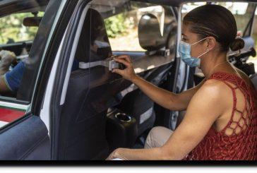 Cómo manejar un auto en forma segura para no contraer COVID-19, según los científicos