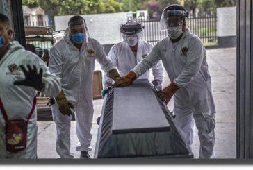 Cifras del Inegi contradicen a la SSa; reportan 45% más muertes por covid en 2020