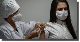 Vacuna de Johnson & Johnson de una sola dosis es eficaz en todos los grupos demográficos: FDA