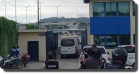 Motines en 3 cárceles de Ecuador dejan al menos 62 muertos