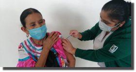Aplica hospital rural IMSS-Bienestar de Huautla, vacuna contra el covid-19 a adultos mayores