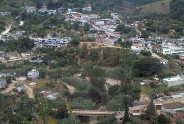 Emboscan e incineran a tres policías municipales en San Pablo Coatlán, Oaxaca