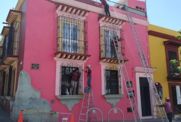 """Revitaliza Ayuntamiento de Oaxaca 48 fachadas con """"Dale color al corazón del Centro Histórico"""""""