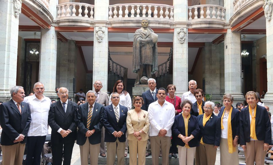 Educación y ley, vías para la unidad nacional y sanear instituciones: Rector UABJO