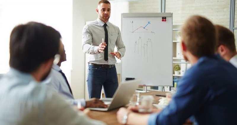 No basta con ser un vendedor nato, tener éxito en los negocios exige preparación