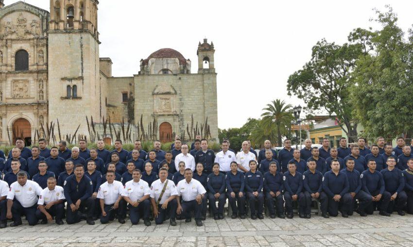 Cumple el Heroico Cuerpo de Bomberos 65 años de ser una institución cercana a la gente