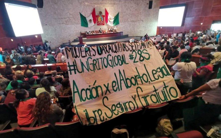 Diputadas piden a Murat publicar reformas para despenalización del aborto en Oaxaca