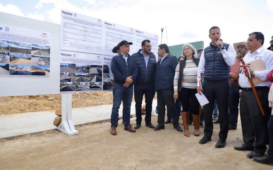 Supervisa Alejandro Murat avances en la construcción del Hospital IMSS Bienestar de Tlaxiaco
