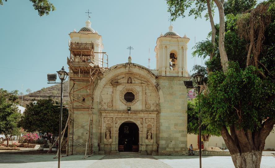 Rescatan y promueven  el tradicional «Jueves de los Compadres» del Barrio del Marquesado