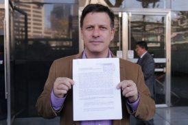 """PRD denuncia a AMLO por concusión y cohecho por """"moches"""" a empresarios"""
