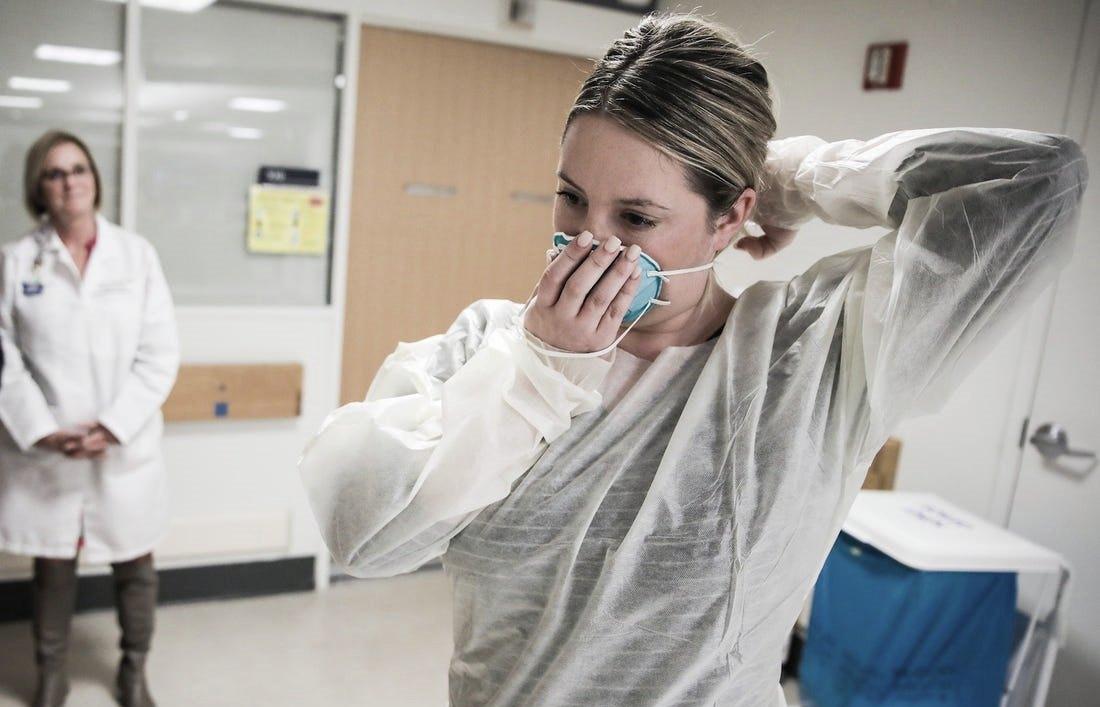 Casi la mitad del mundo se encierra ante el coronavirus