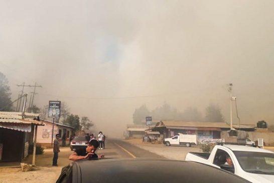 Combate Coesfo incendio en San Pedro y San Pablo Ayutla