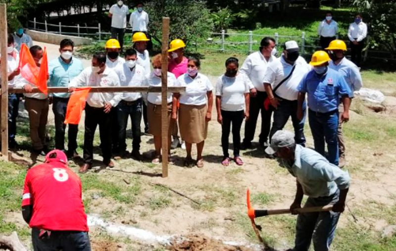 Inicia construcción de taller de servicios de hotelería en el Plantel 4 del CECyTEO