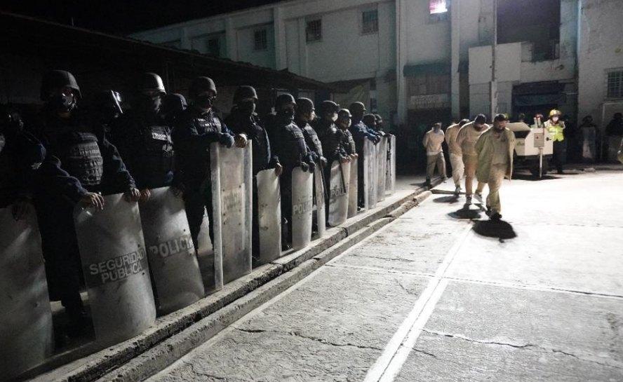 Cierran definitivamente penal de Ixcotel: Trasladan a población penitenciaria a Tanivet