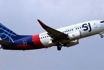 Desaparece avión con 62 personas en Indonesia; cayó al mar