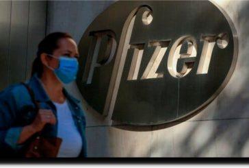 Pfizer reduce un 50% entrega de vacunas a México