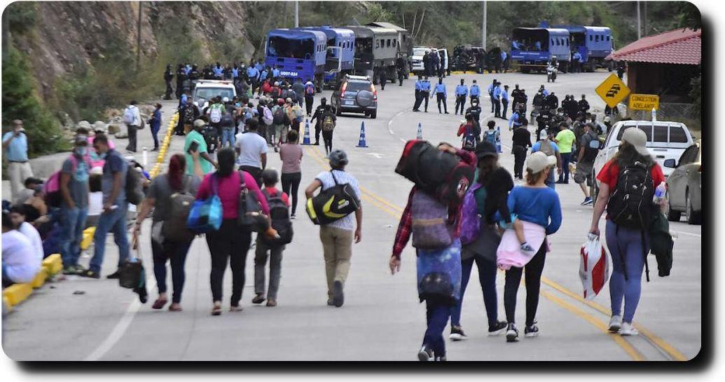 Una nueva caravana migrante se acerca; avanza por Honduras hacia Guatemala