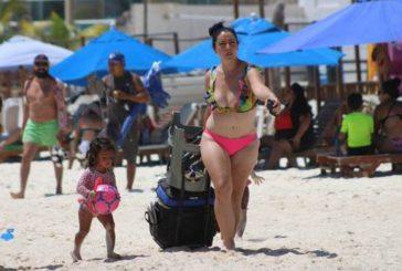 México es el paraíso para extranjeros que huyen del encierro estricto, acusa el NYT