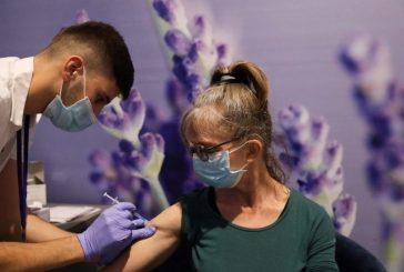 Vacunación tardará medio año en reducir casos de COVID-19, advierte la OMS