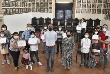 """Premia Ayuntamiento de Oaxaca a ganadores del concurso de """"Cuento y Dibujo de la Niñez"""""""