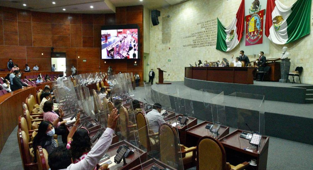 Analiza 64 Legislatura de Oaxaca reforma para brindar atención prioritaria a jefas madres de familia