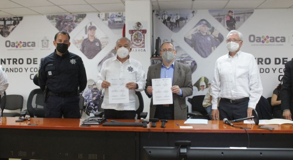 SSP Oaxaca y SEPROBAN firman convenio de colaboración en materia de seguridad bancaria